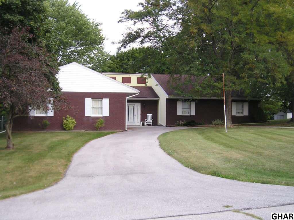 94 Wheatland Dr, Gettysburg, PA 17325