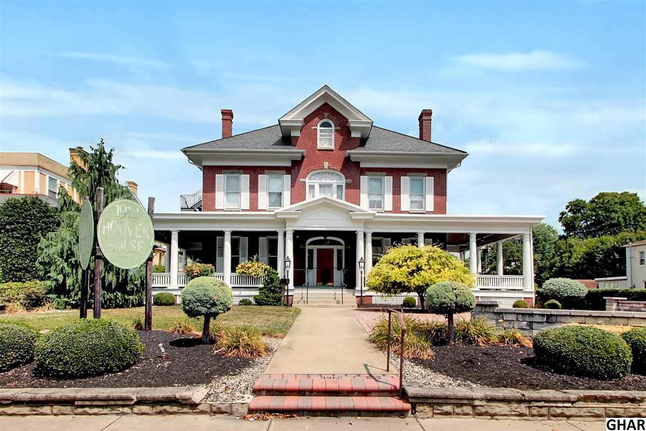 227 W Main St, Waynesboro, PA 17268