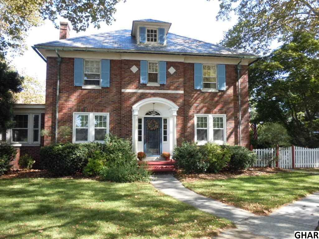 200 N College St, Myerstown, PA 17067