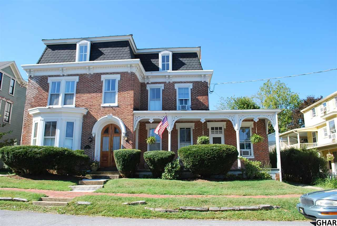217 Front St, Boiling Springs, PA 17007