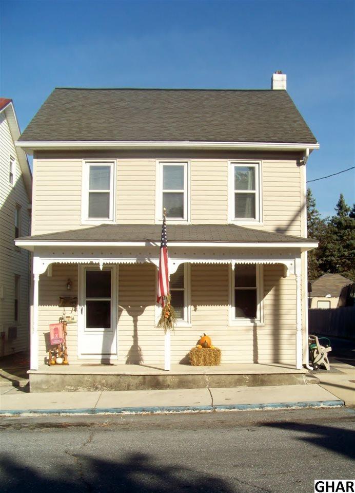 327 W Church St, Annville, PA 17003