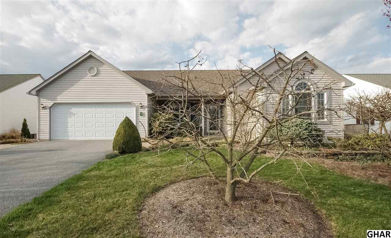 35 Scenic Dr, Myerstown, PA 17067