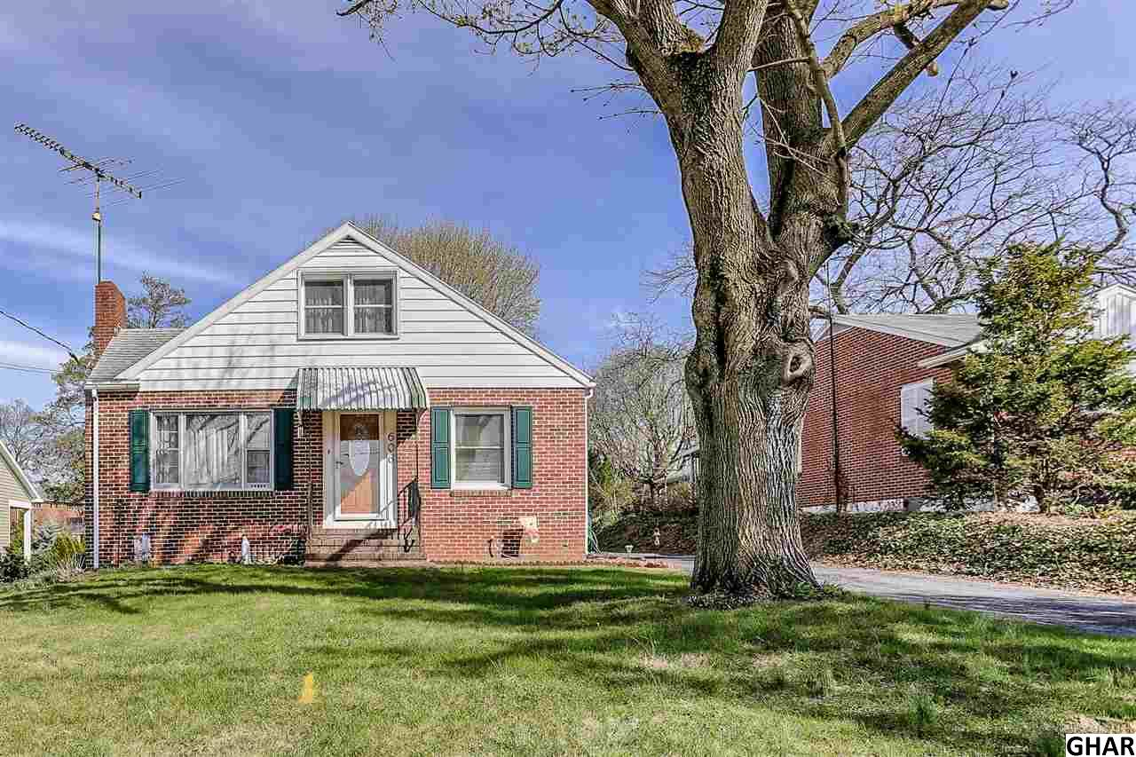 606 S Allison St, Greencastle, PA 17225
