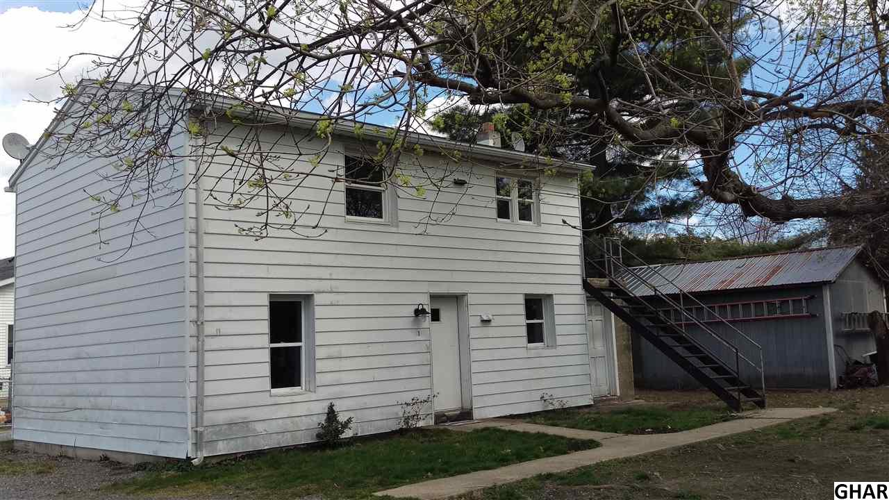 7 East St, Mount Holly Springs, PA 17065
