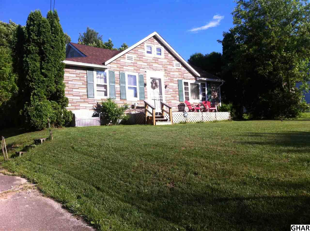 4281 Carlisle Rd, Gardners, PA 17324
