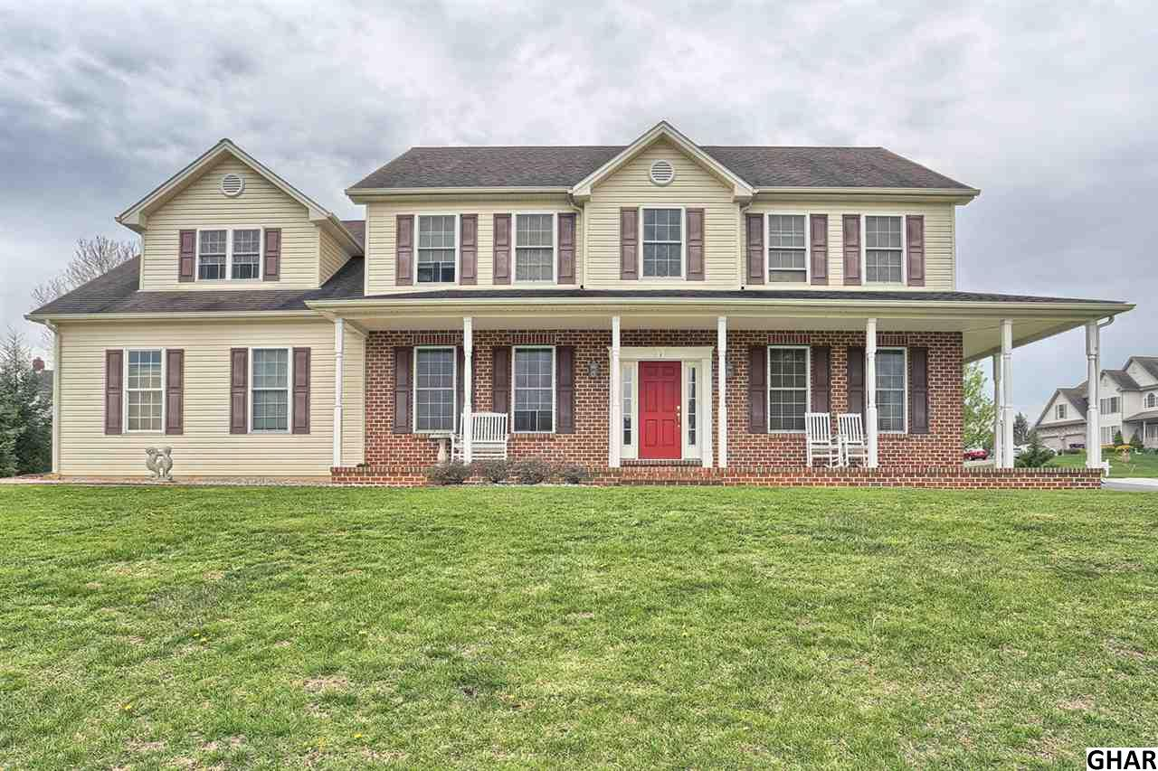 1 Mulberry Ct, Boiling Springs, PA 17007