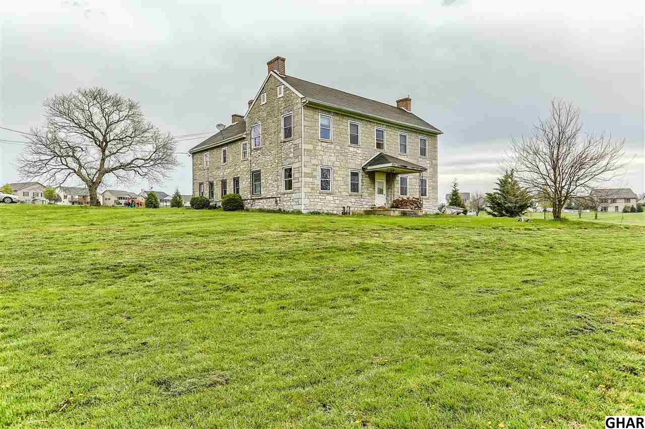 1096  Hollywell Avenue, Chambersburg in Franklin County, PA 17201 Home for Sale