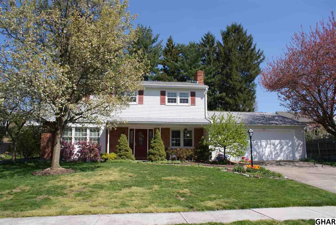 239 Green Lane Dr, Camp Hill, PA 17011
