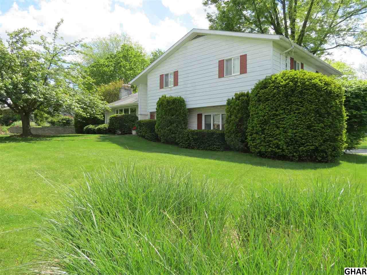 426 Leearden Rd, Hershey, PA 17033