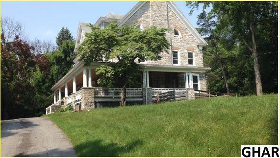 25 Woods Ln, Lewistown, PA 17044