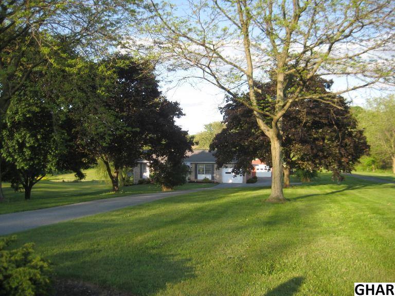 400 Golf Rd, Myerstown, PA 17067