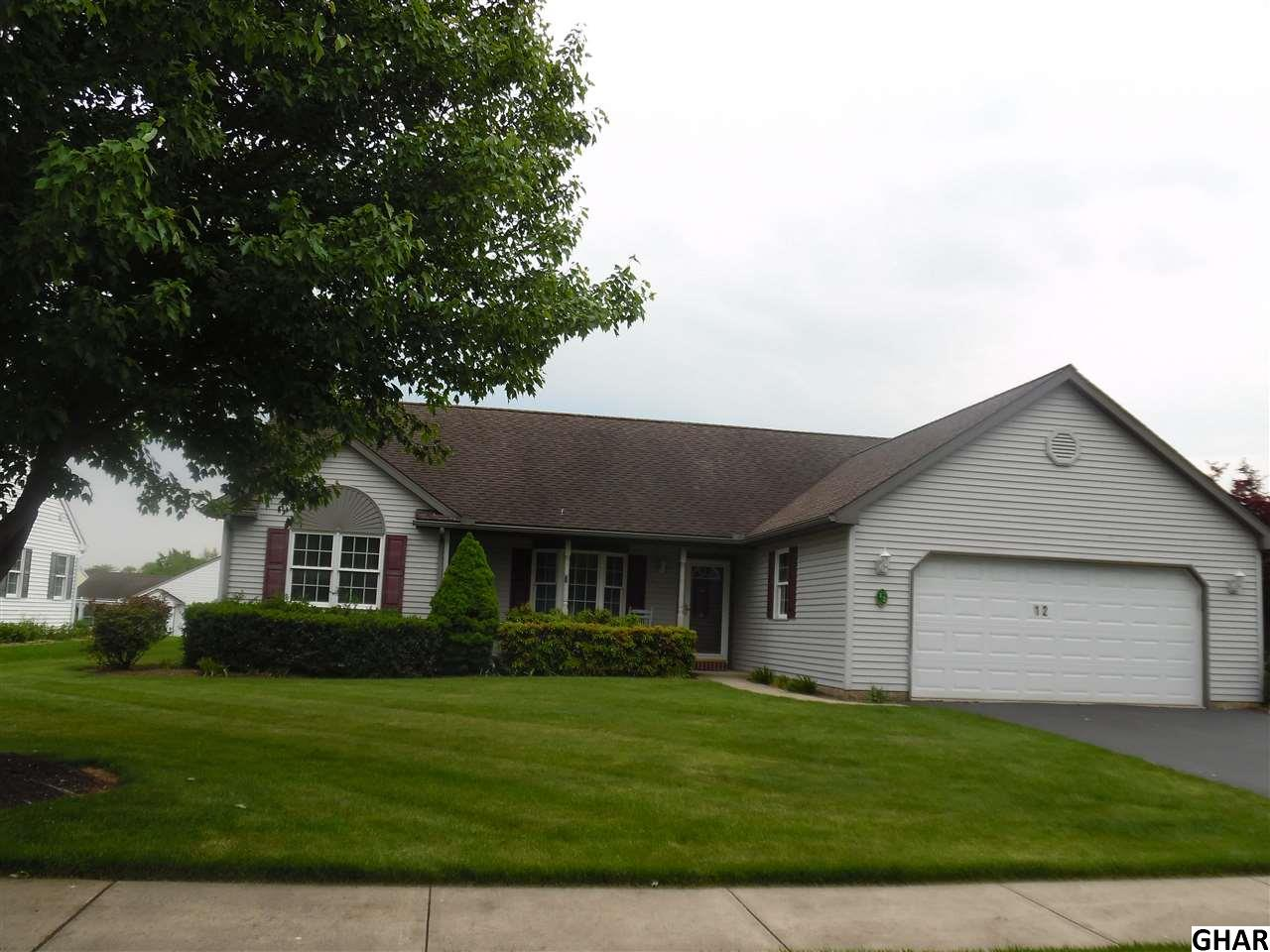 12 Rosemont Dr, Myerstown, PA 17067