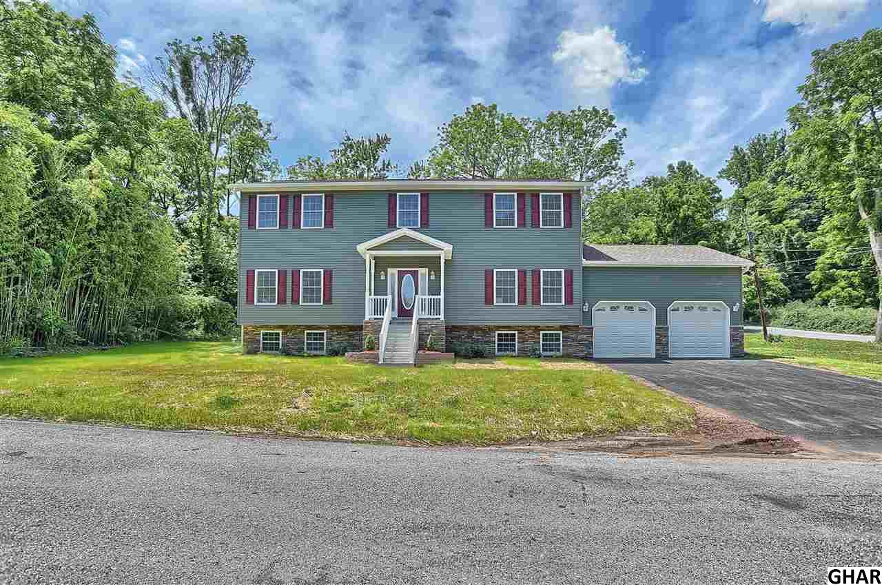 40 Maple Hill Dr, Etters, PA 17319