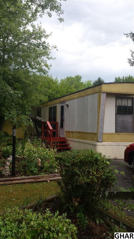 35 Creekside Ln, Carlisle, PA 17015