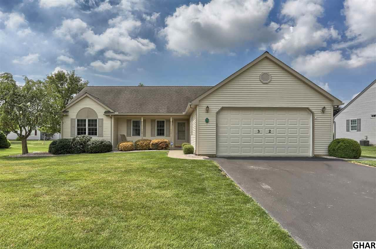 32 Rosemont Dr, Myerstown, PA 17067