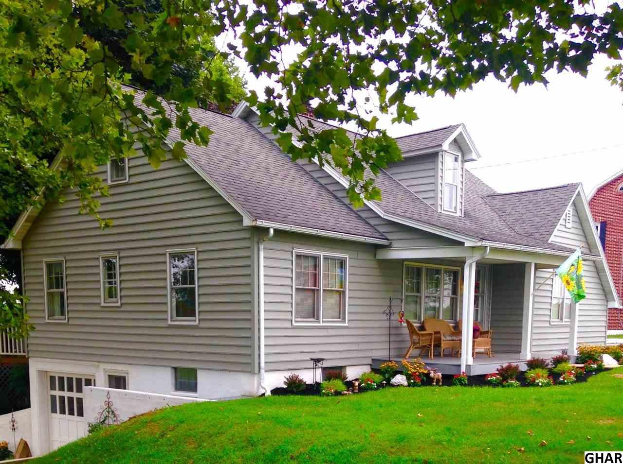 703 Laudermilch Rd, Hummelstown, PA 17036
