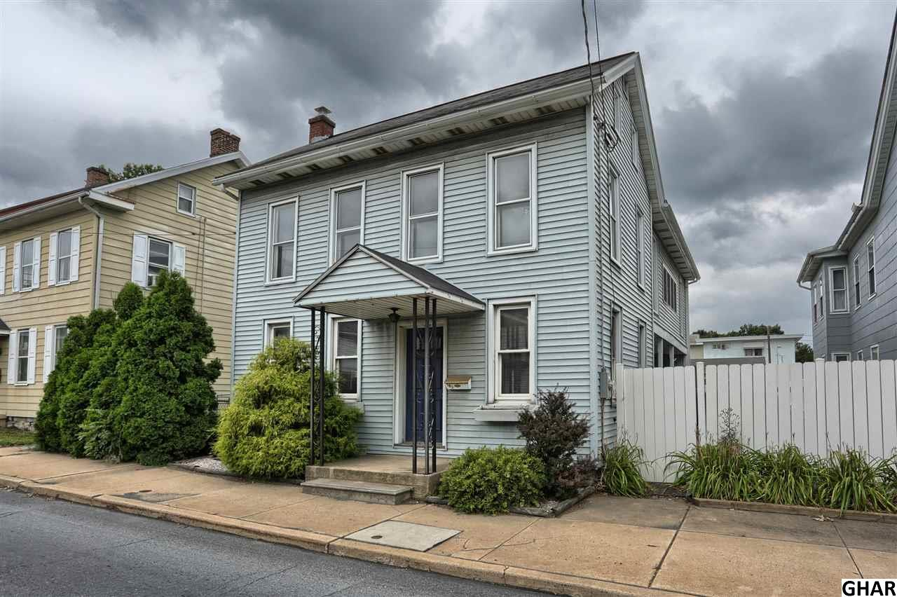 102 N College St, Myerstown, PA 17067
