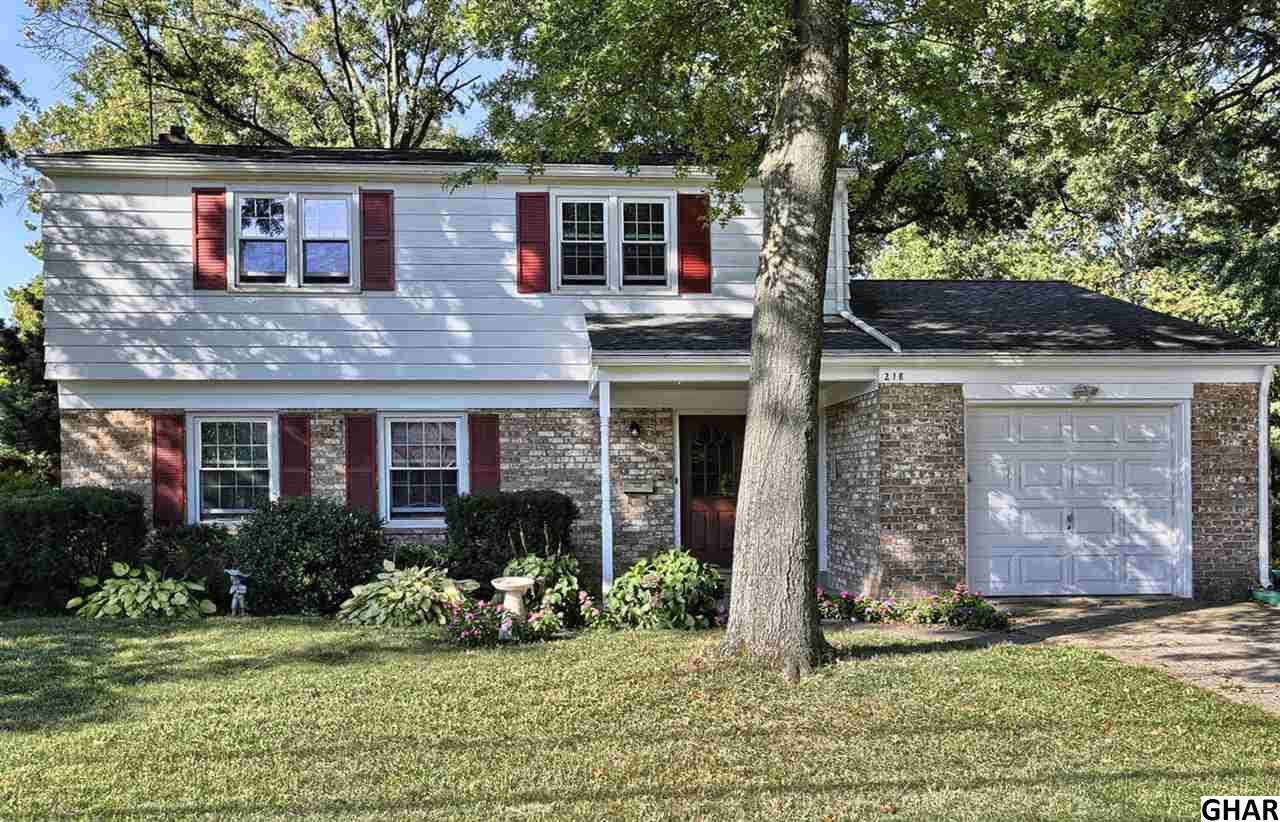 218 Green Lane Dr, Camp Hill, PA 17011
