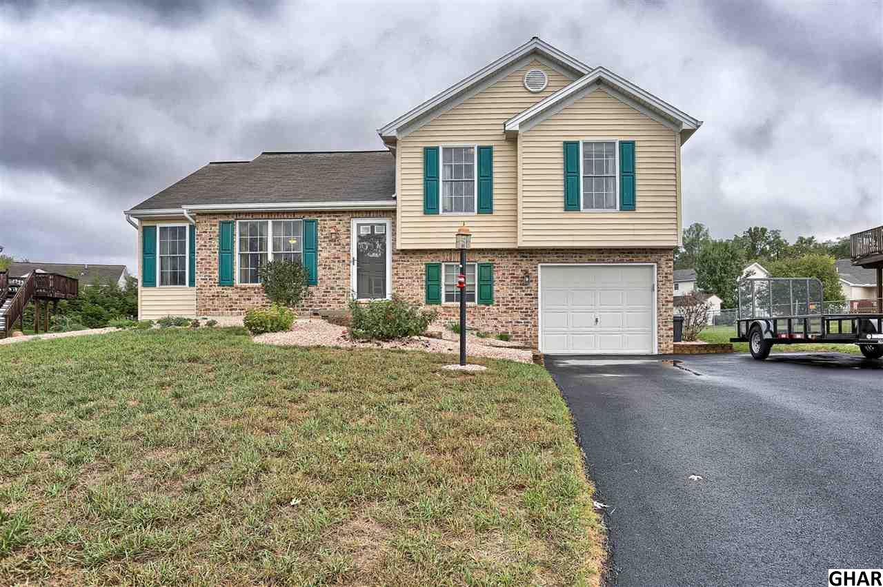 Photo of 4530  Valley Circle  Fayetteville  PA
