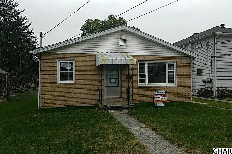 17 Clinton Ave, Middletown, PA 17057