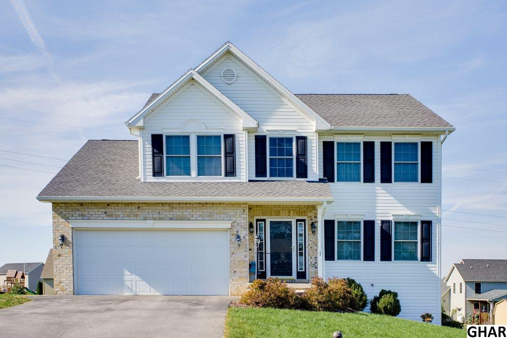 23 Feather Dr, Shippensburg, PA 17257