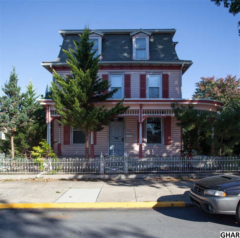 268 W Main St, Hummelstown, PA 17036