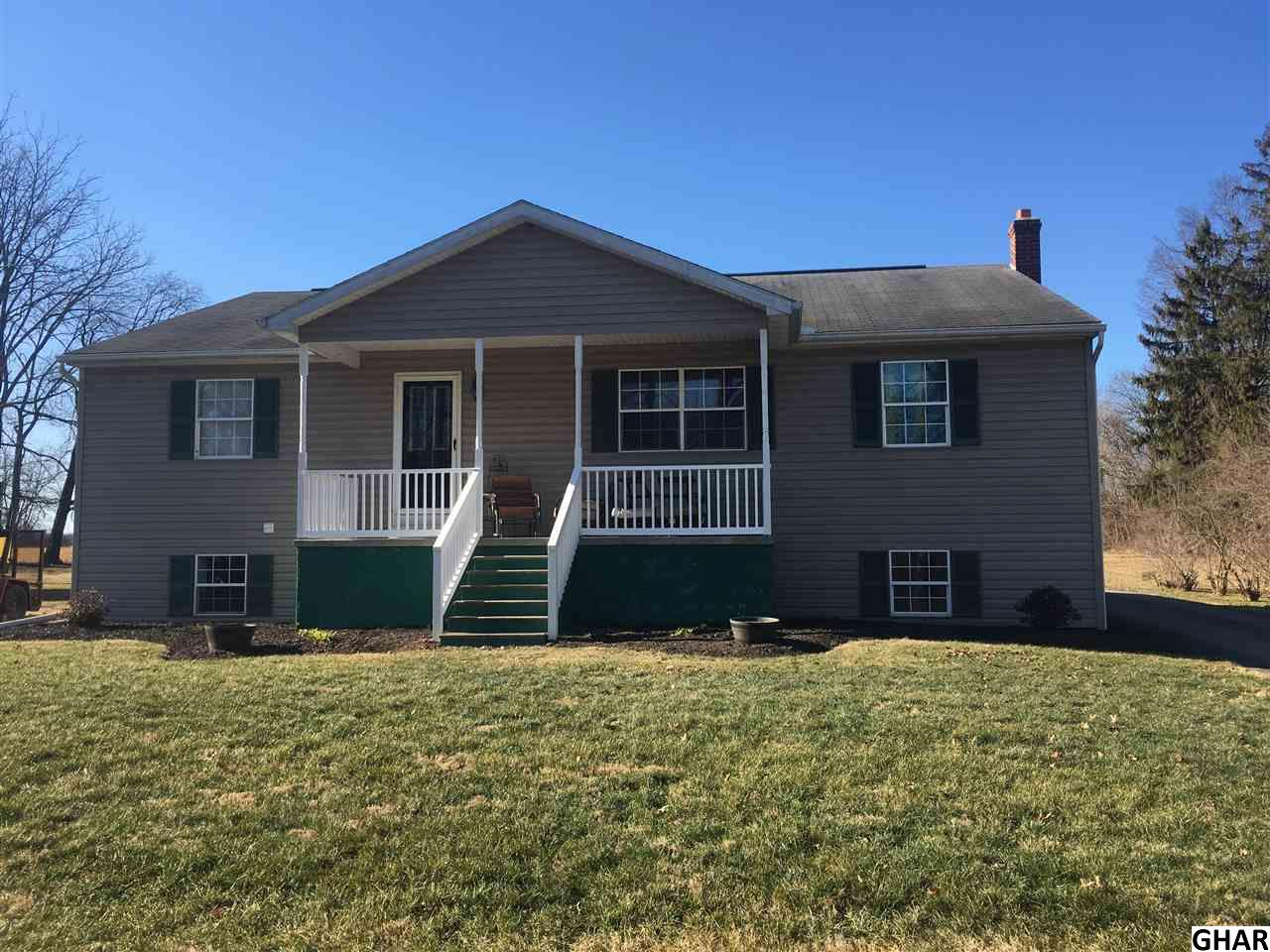 Photo of 45 S Hickory Lane  New Oxford  PA