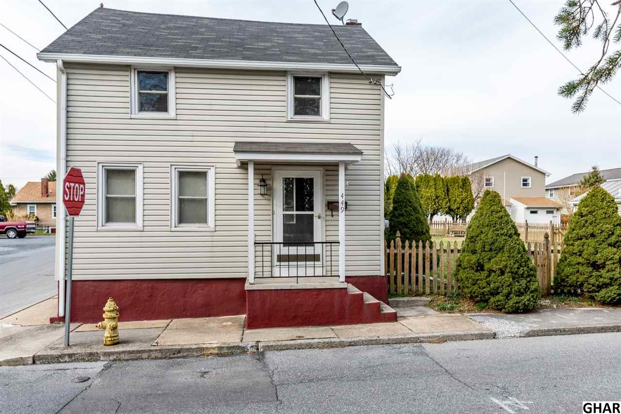 Photo of 449 W Queen St  Annville  PA