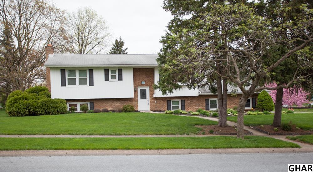 Photo of 907  BRIARCREST DRIVE  Hershey  PA