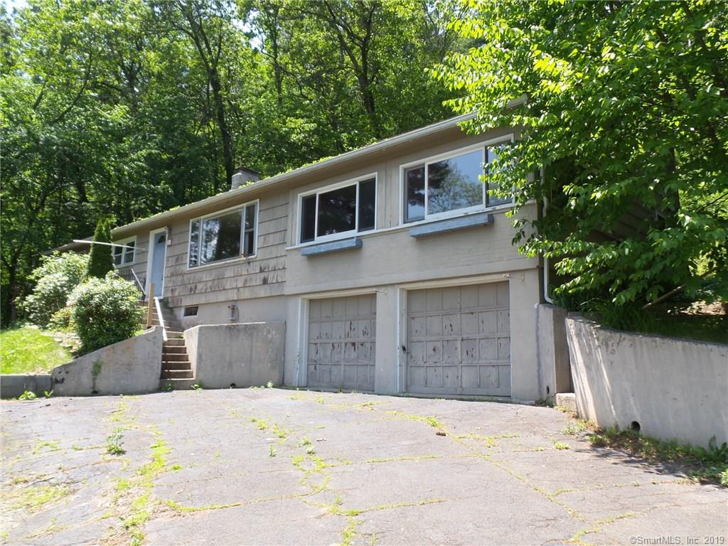 16 Trailsend Drive Canton, CT 06019