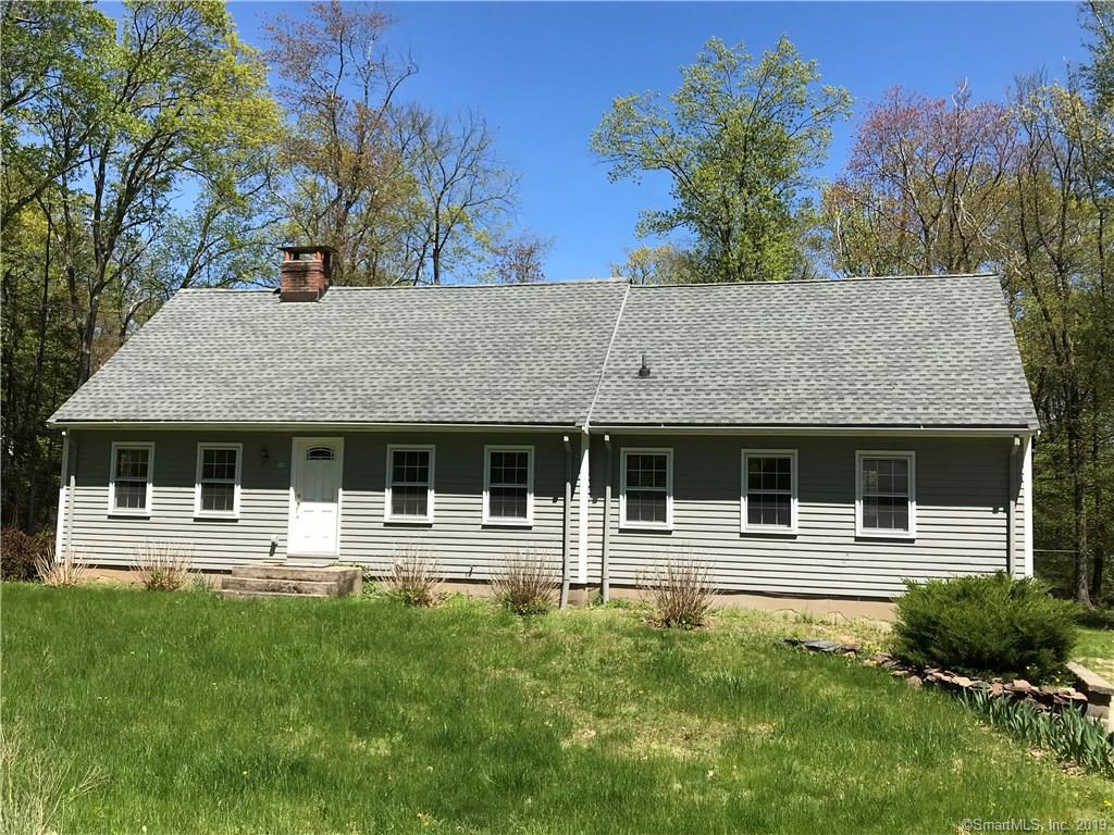28 Latimer Lane Simsbury, CT 06070