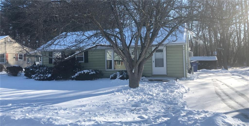 16 Cottage Grove Circle Bloomfield, CT 06002
