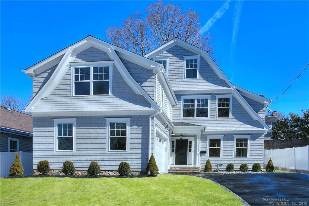16 Whitney Avenue, New Canaan, Connecticut