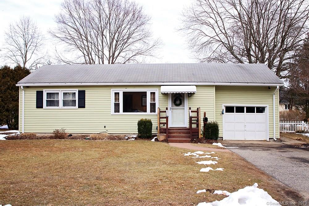 14 Hotchkiss Terrace Ansonia, CT 06401