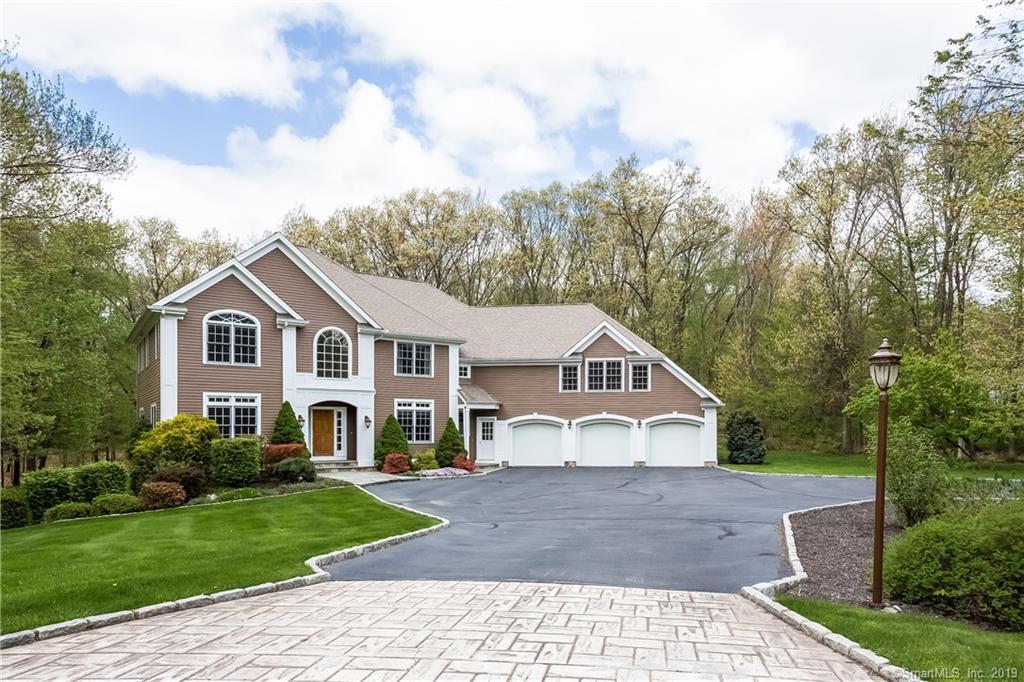 10 Dylan Drive, Newtown, Connecticut