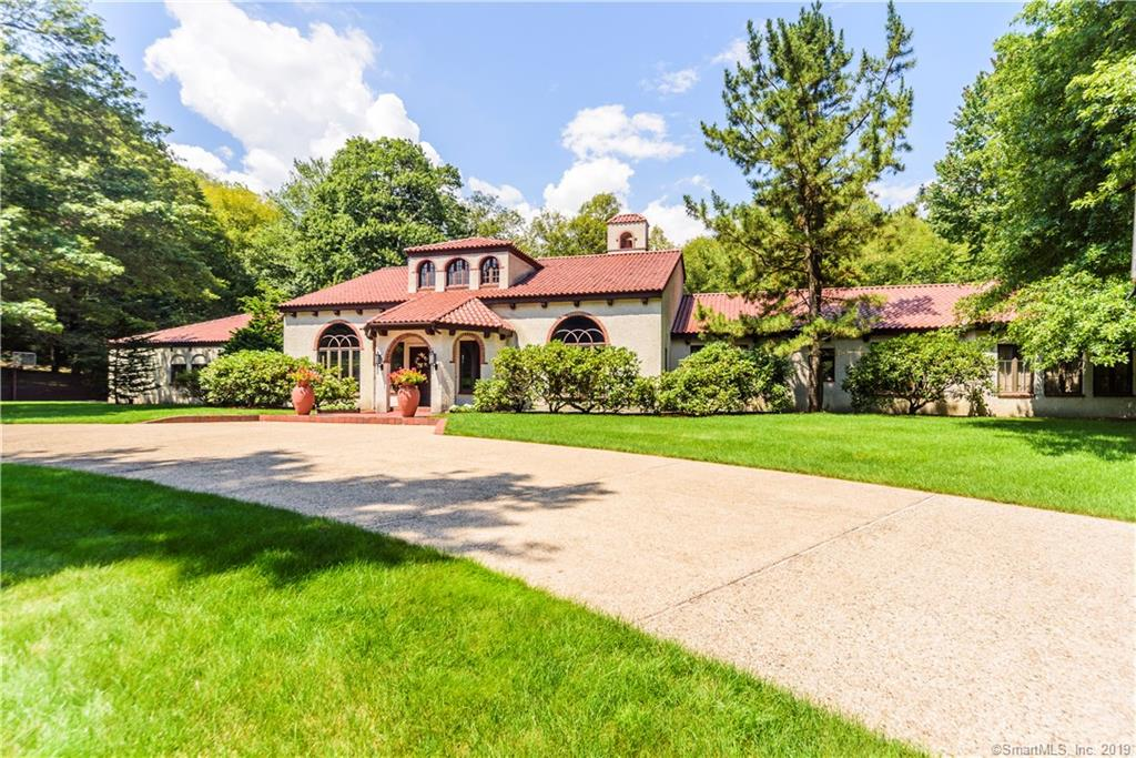 65 Mountain Brook Circle, Cheshire, Connecticut