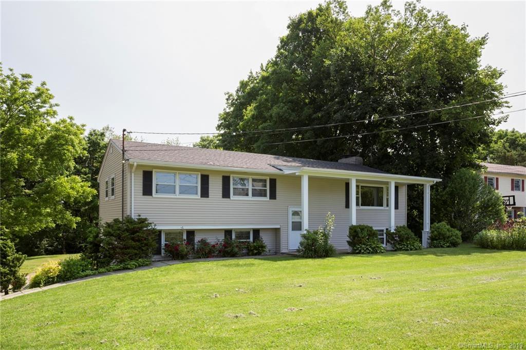 25 Jeanette Road, Danbury, Connecticut