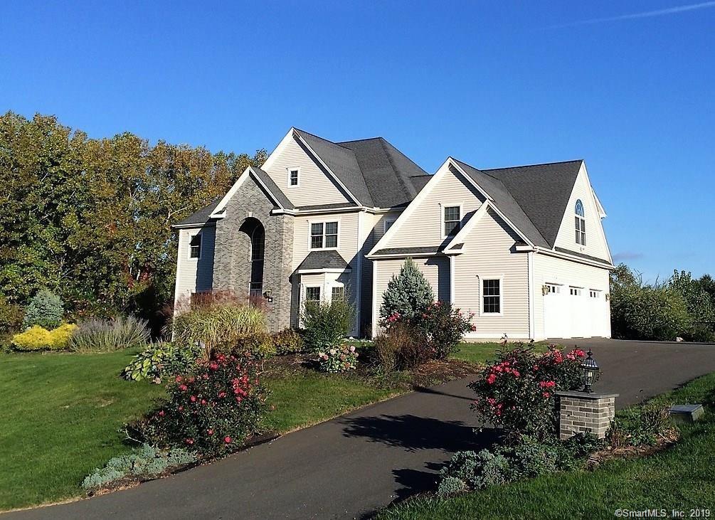 21 Farmingberry Drive, Southington, Connecticut