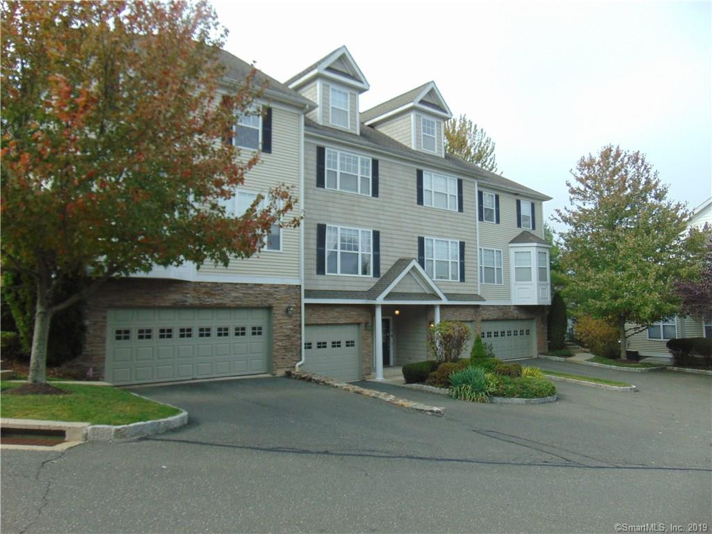 41 Woodcrest Lane, Danbury, Connecticut