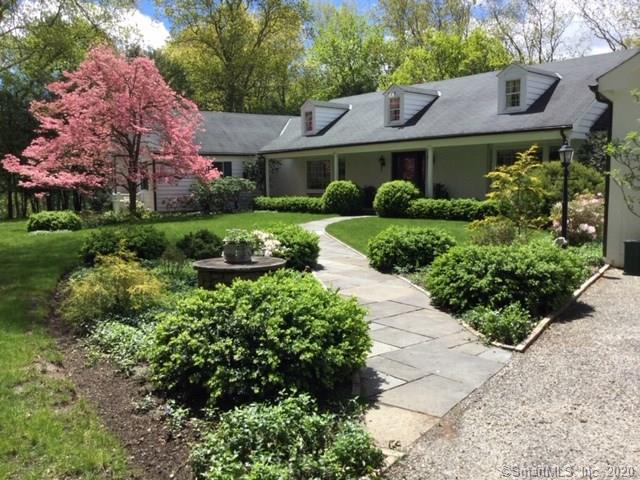 40 Peter Road, Woodbury, Connecticut