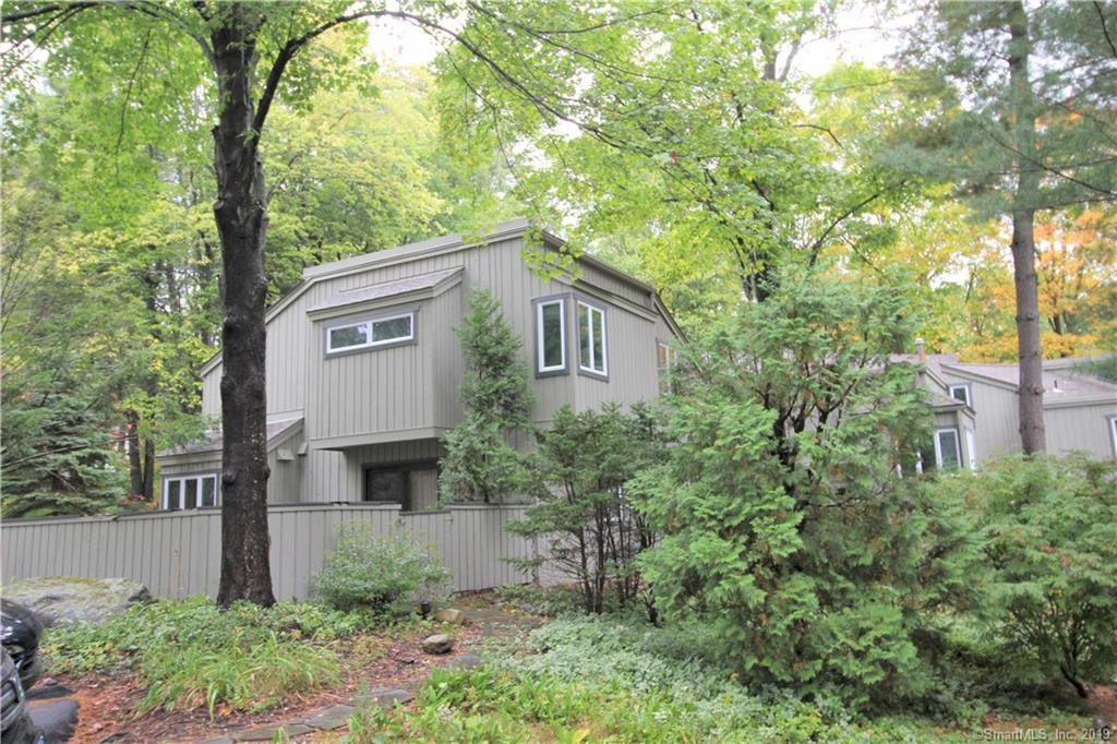 10 Talcott Glen, one of homes for sale in Farmington