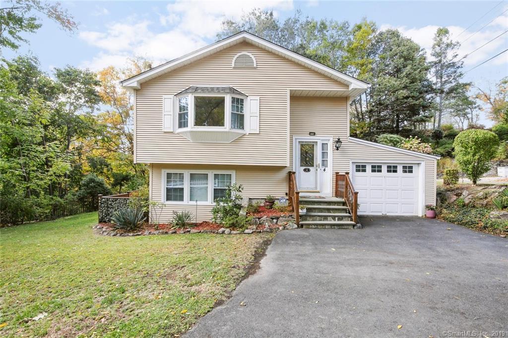 4 Acre Drive, Danbury, Connecticut