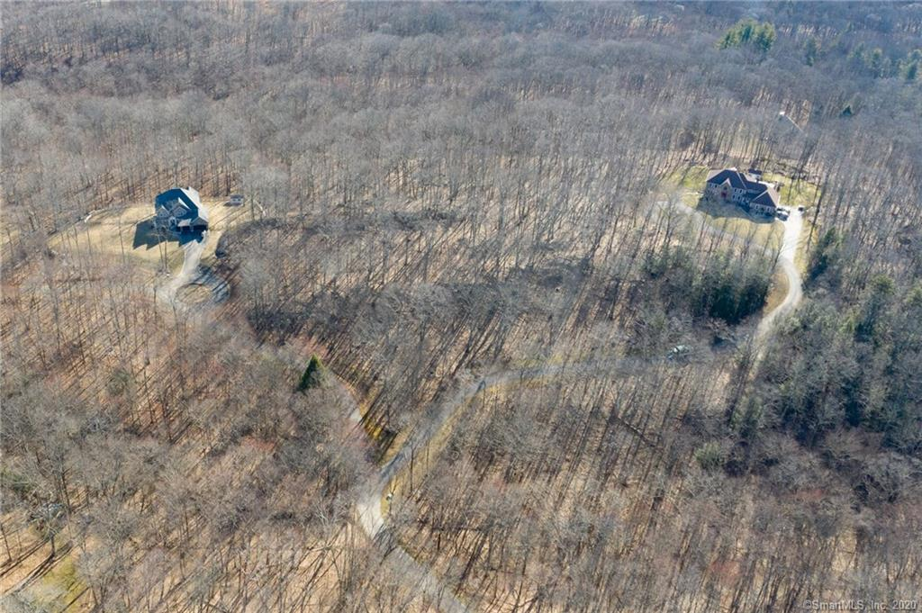 136 Quanopaug Trail, one of homes for sale in Woodbury