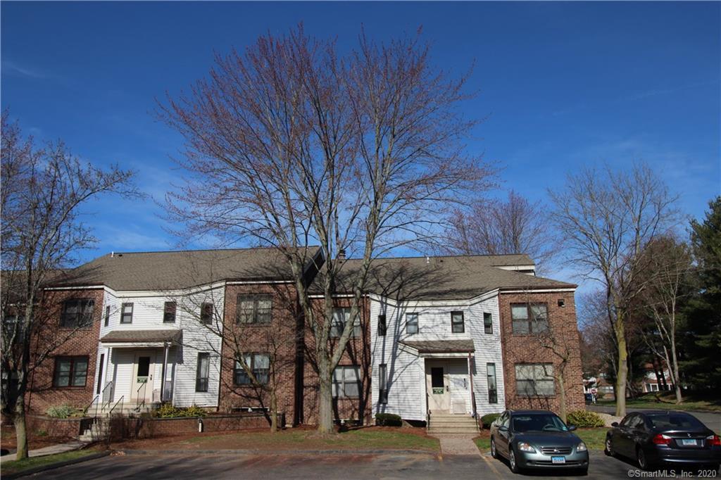 3 Wellington Drive, Farmington in Hartford County, CT 06032 Home for Sale
