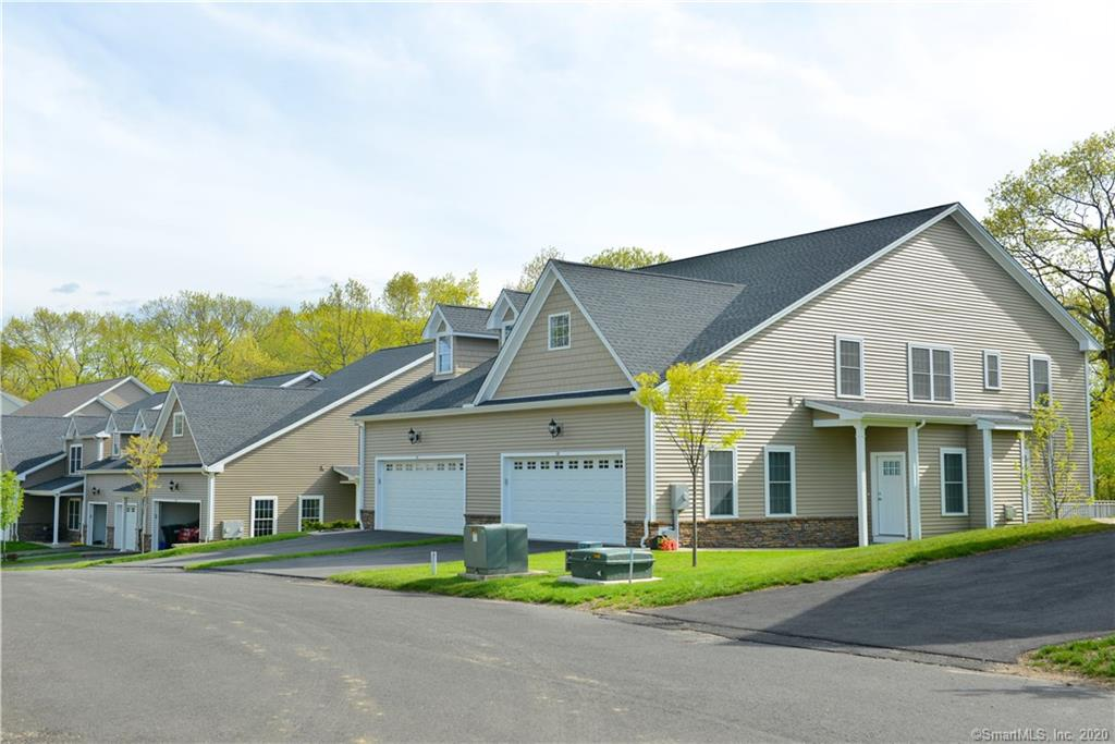 primary photo for 48 Brookview Circle 40, Bristol, CT 06010, US