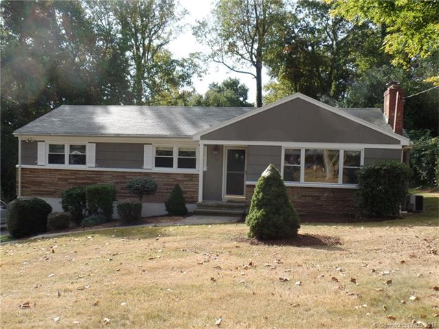 18 White Oak Rd, Trumbull, CT 06611