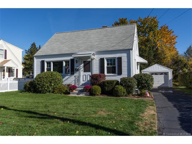 135 Shawmut Ave, North Haven, CT 06473
