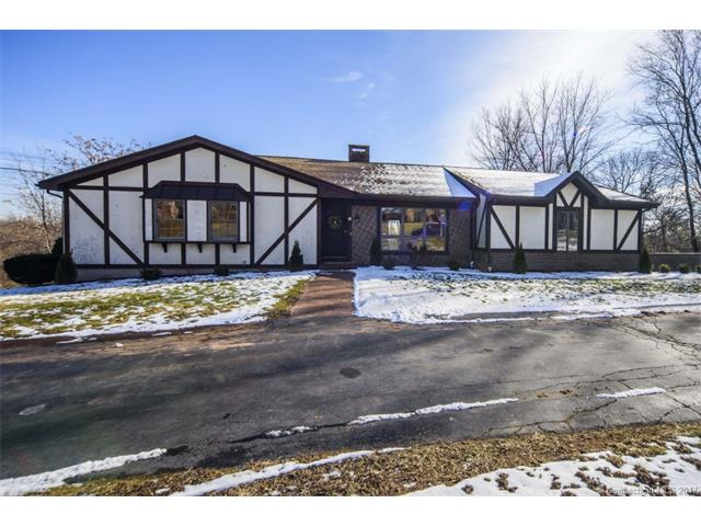 Photo of 28 Ridgewood Ter  North Haven  CT