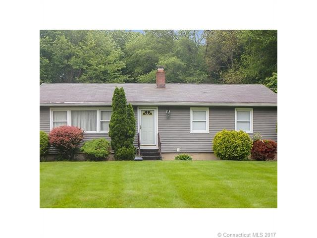 Photo of 26 Woodmere Dr  Trumbull  CT