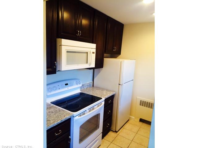 Rental Homes for Rent, ListingId:30244036, location: 315 FOXWOOD LN Milford 06461